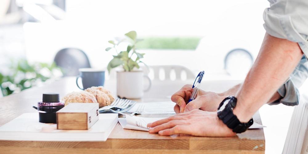 Buat Kamu yang Kuliah Sambil Kerja, Harus Tahu 7 Tips Atur Uang Ini