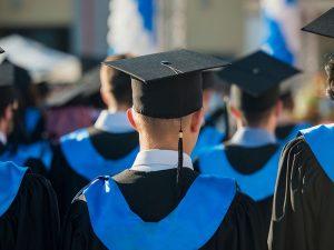 4 Keunggulan Fresh Graduate Yang Paling Menonjol di Mata Perusahaan